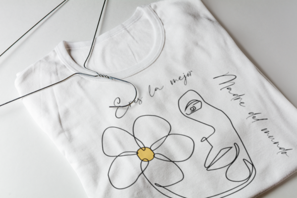 Camiseta Blanca Personalizada Para El Dia De La Madre